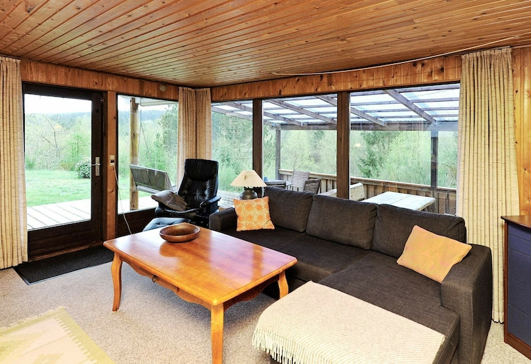 Vintage Holiday Home in Silkeborg in a Natural Area, Silkeborg, Sala de estar