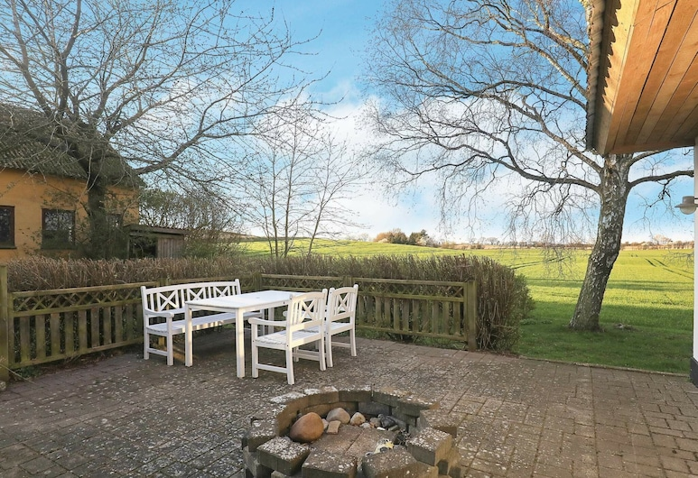 Spacious Holiday Home in Jutland Near Beach, Rudkobing, Varanda