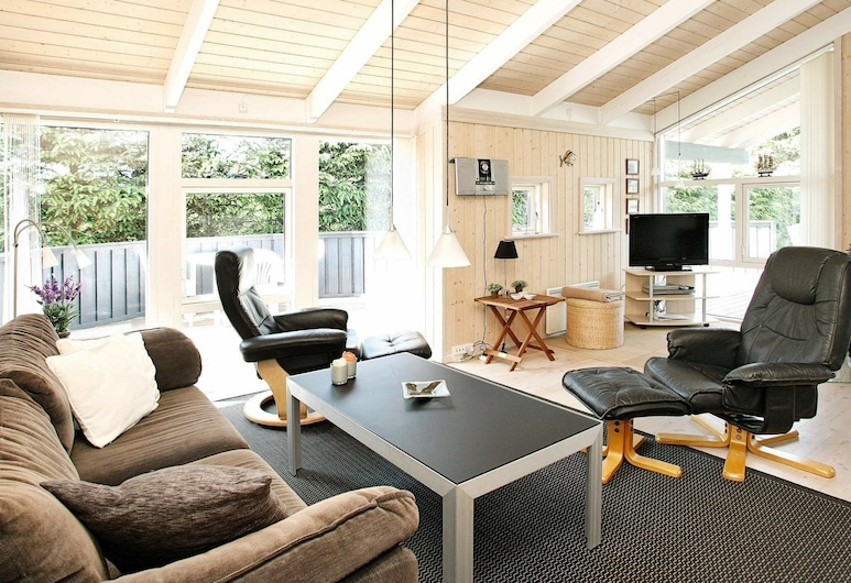 Splendid Holiday Home in Løkken With Terrace, Lokken, Living Room