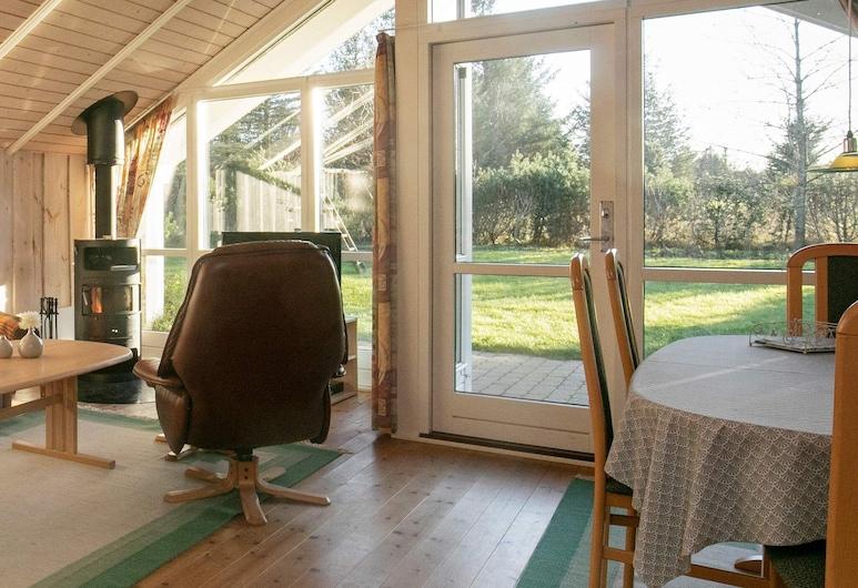 Alluring Holiday Home in Fjerritslev With Sauna, Fjerritslev, Habitación