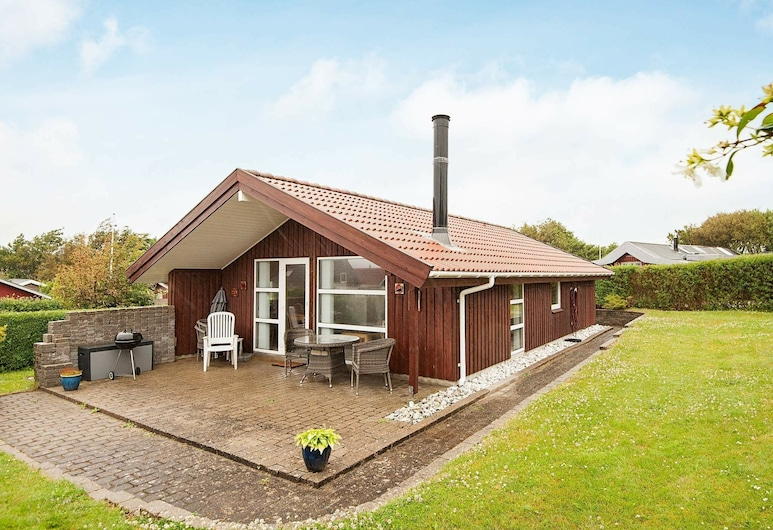 Wooden Holiday Home in Jutland With Terrace, Esbjerg