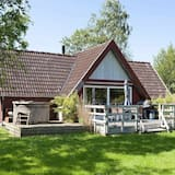 Cozy Holiday Home in Store Fuglede With Terrace, Store Fuglede