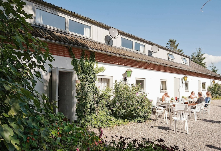 Vintage Holiday Home in Grenaa With Billiards, Grenaa