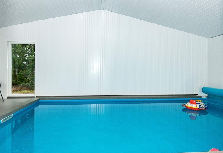 Beautiful Holiday Home in Rømø Jutland With Swimming Pool, Romo, Alberca