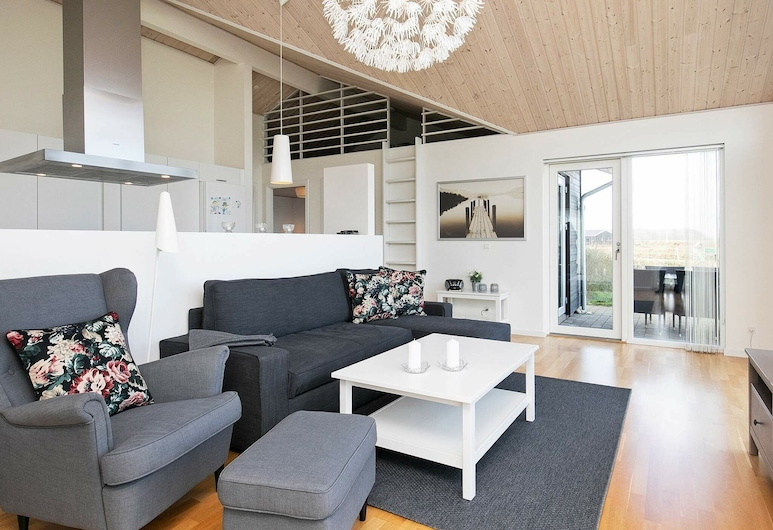 Modern Holiday Home in Frorup Near Sea, Frørup, Living Room