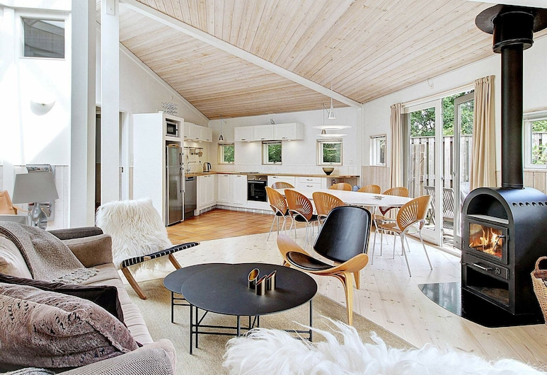 Cozy Holiday Home in Graested Denmark With Terrace, Graested, Living Room