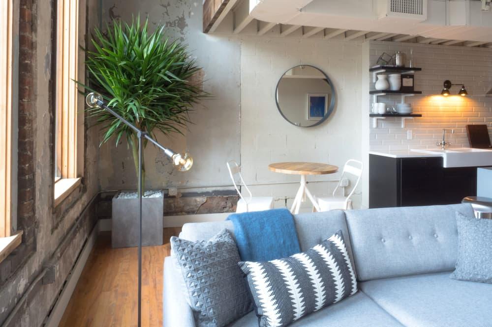 Loft, 1 Tempat Tidur Queen dengan tempat tidur Sofa - Area Keluarga