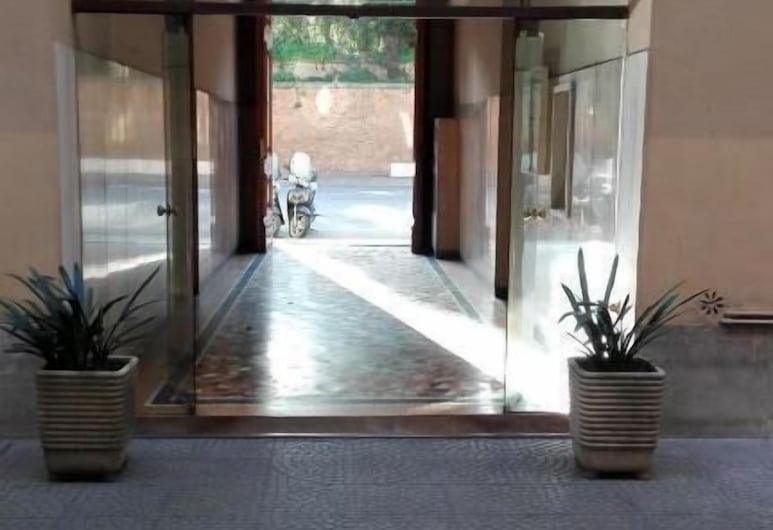 Residenza Laterano, Rím, Vchod do hotela
