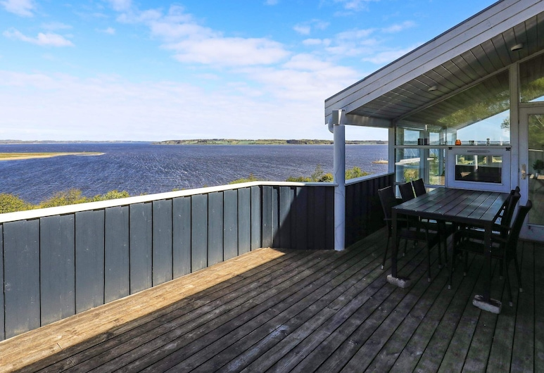 Serene Holiday Home in Logstrup Jutland With Pool, Logstrup, Exterior