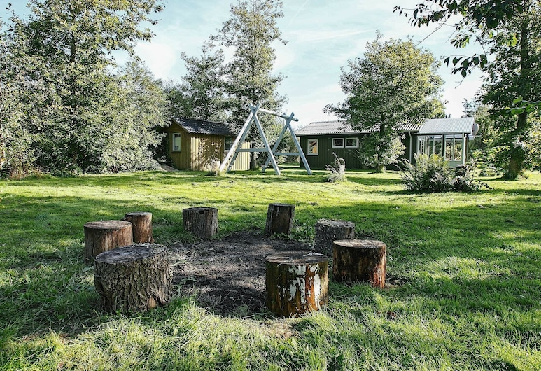 Modern Holiday Home in Thyholm Jutland With Terrace, Thyholm, Minibar