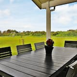 Splendid Holiday Home in Ulfborg With Private Whirlpool, Ulfborg