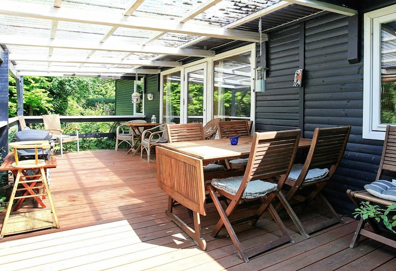 Spacious Holiday Home in Gorlev With Terrace, Gørlev, Balcony