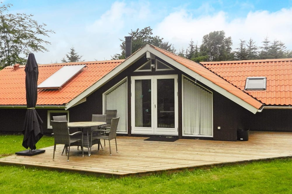 Picturesque Holiday Home in Jutland With Whirlpool