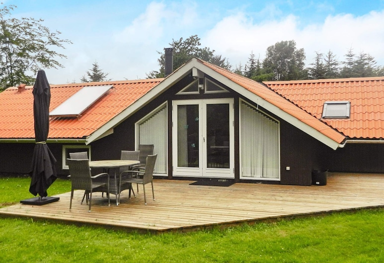 Picturesque Holiday Home in Jutland With Whirlpool, Jerup