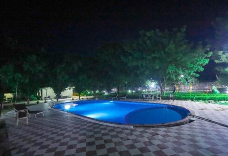 Narmada Hills Resort, Κάντγουα, Πισίνα