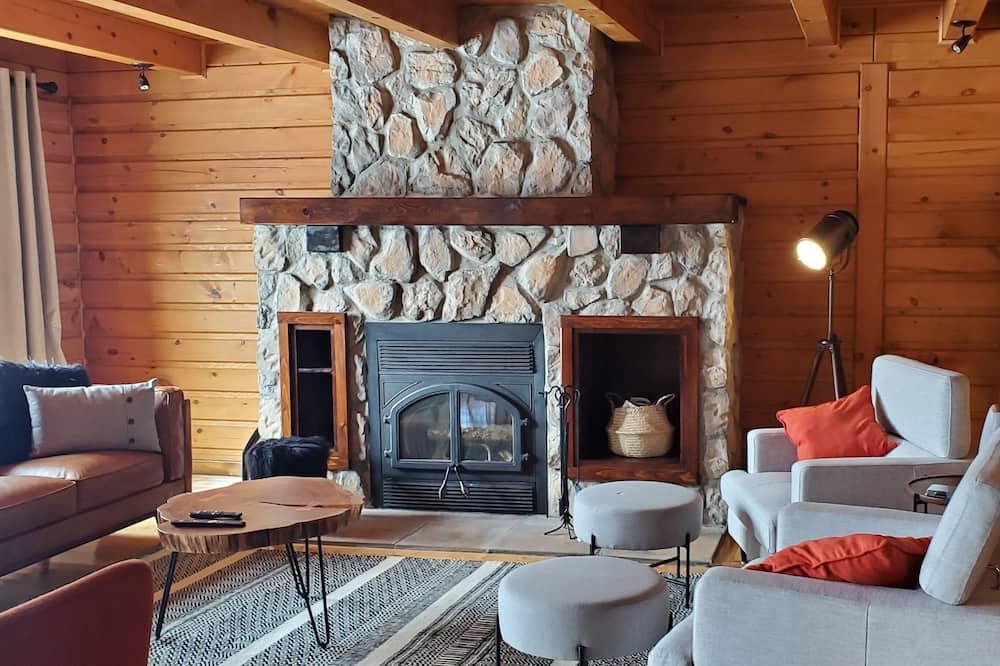 Chata, 4 ložnice, výhled na jezero - Obývací pokoj