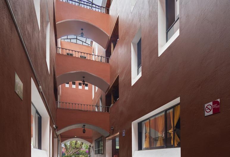 Meson Real Hotel & Suites, Xalapa, Fachada del hotel