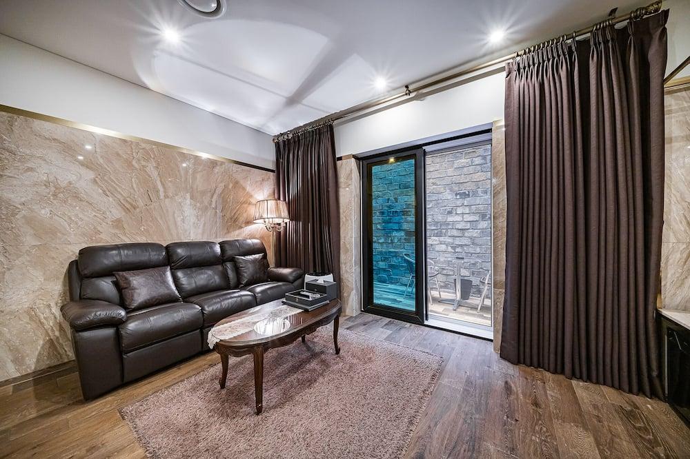 Royal Room - Living Area