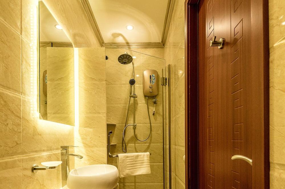 Standard Double Room (CJ 5) - Bathroom