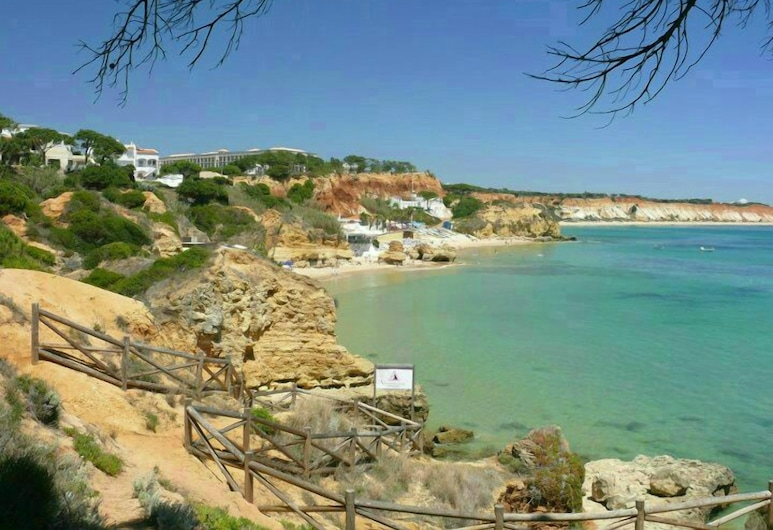 Albufeira 1 Bedroom Apartment 5 Min. From Falesia Beach and Close to Center! J, Albufeira, 海灘