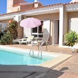 Comfortable and Well Equipped Terrace Villa With Private Pool and air Conditioni, Quarteira
