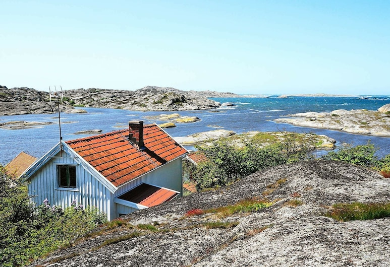 4 Person Holiday Home in Klövedal, 克魯福戴