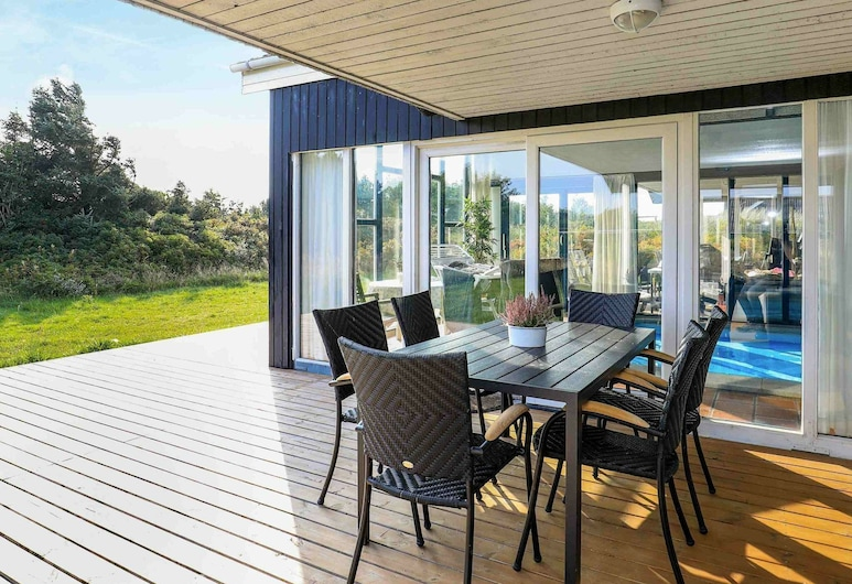 Luxurious Holiday Home With Indoor Pool in Ringkøbing, Ringkobing, Balcony
