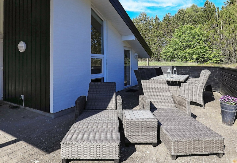 Cozy Holiday Home in Jerup With Indoor Whirlpool, Jerup, Balcony