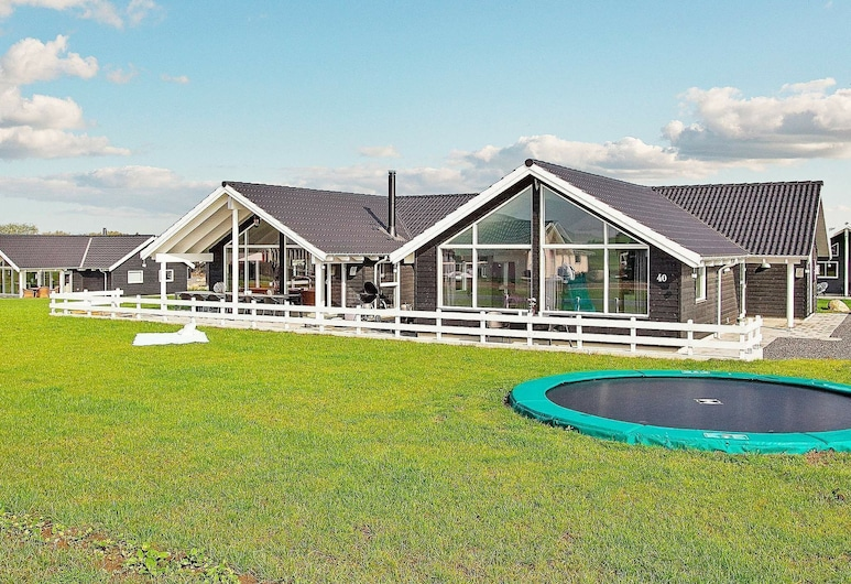 Luxurious Holiday Home in Bogense With Swimming Pool, Bogense