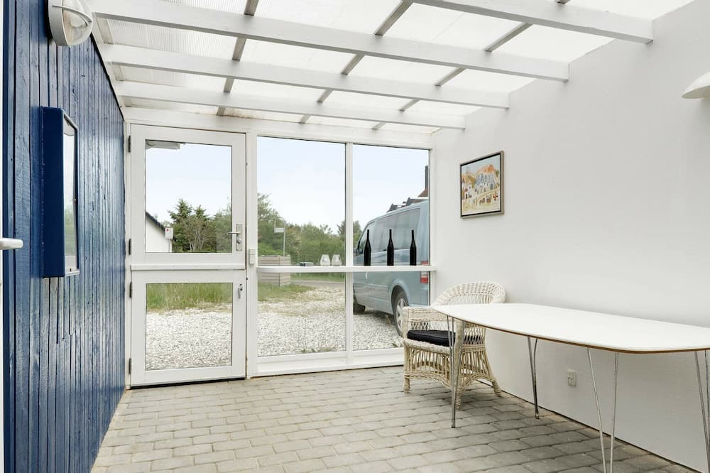 Spacious Holiday Home With Sauna in Hemmet
