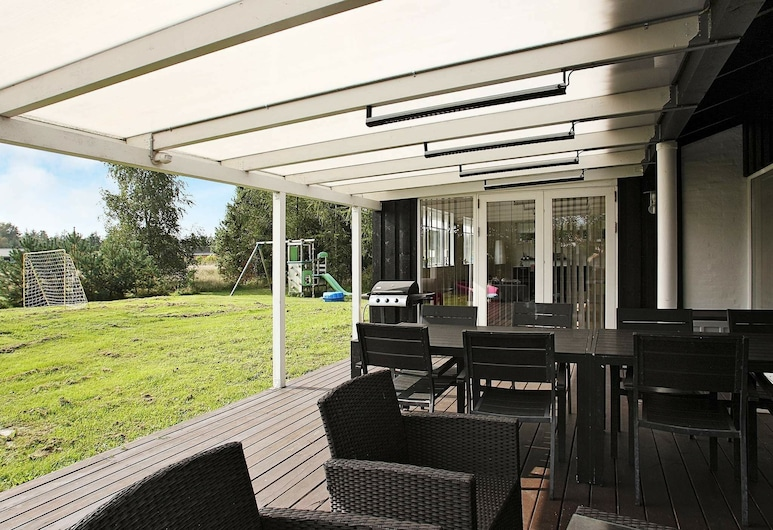 Quaint Holiday Home in Hals With Relaxing Whirlpool, Hals, Balcón