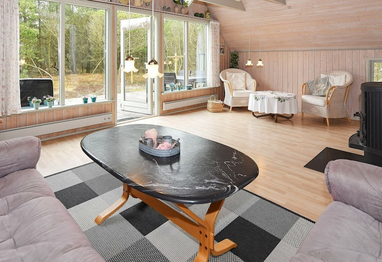 Cozy Holiday Home in Syddanmark With Terrace, Norre Nebel, Living Room