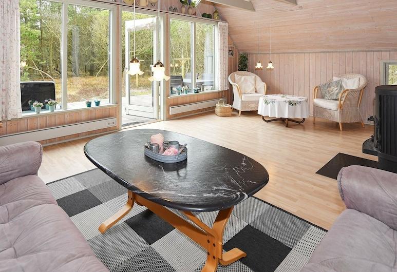 Cozy Holiday Home in Syddanmark With Terrace, Norre Nebel, Sala de estar