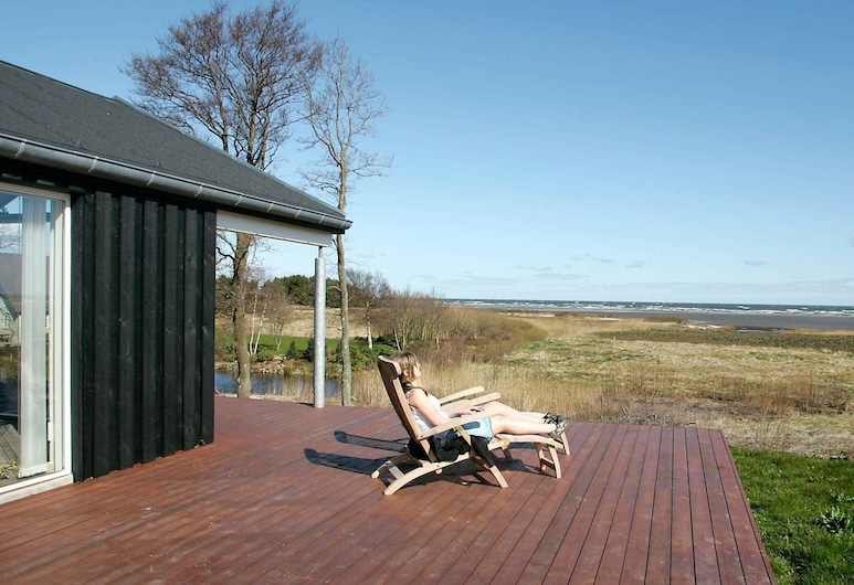 Restful Holiday Home in Hadsund With Whirlpool, Hadsund, Balkon