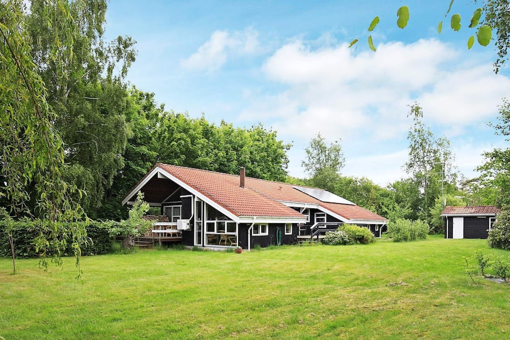 Spacious Holiday Home in Hornbæk on Large Plot