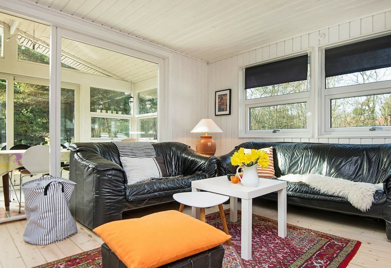 Stunning Holiday Home in Nørre Nebel With Terrace, Norre Nebel, Wohnzimmer