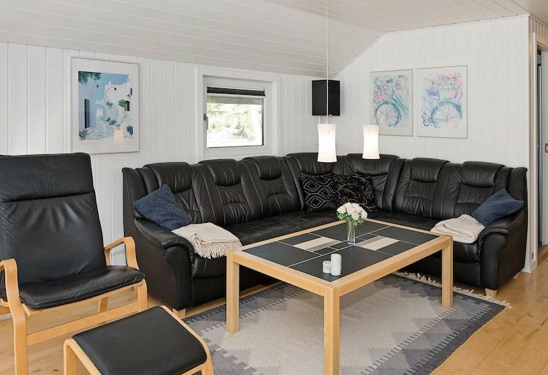 Fabulous Holiday Home in Nørre Nebel With Sauna, Norre Nebel, Elutuba