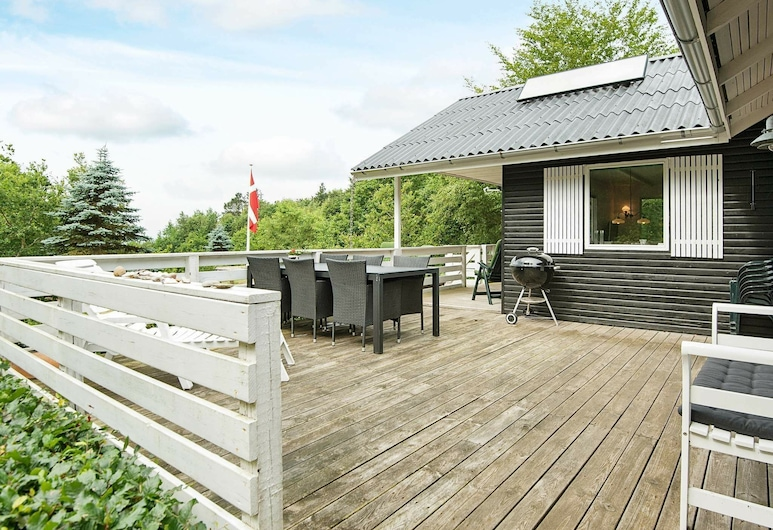 Gorgeous Holiday Home in Spøttrup With Roofed Terrace, Spøttrup, Parveke