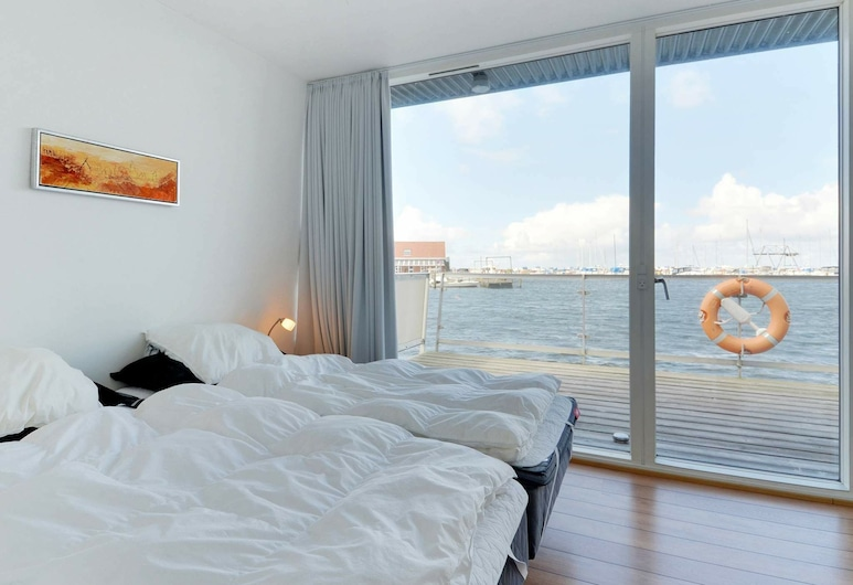 Comfy Holiday Home in Hemmet With Whirlpool, Hemmet, Zimmer