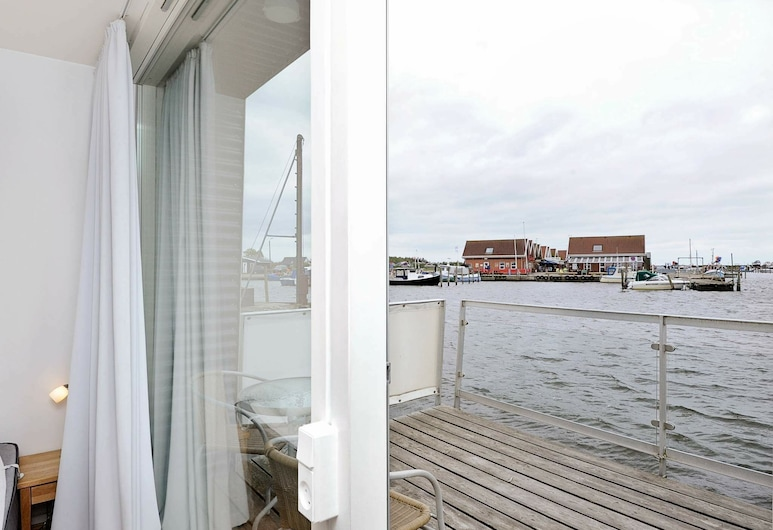 Comfy Holiday Home in Hemmet With Whirlpool, Hemmet, Balcony