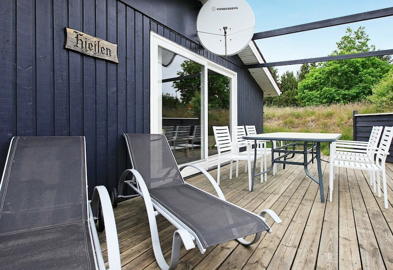 Tranquil Holiday Home in Jerup With Terrace, Jerup, Balcon