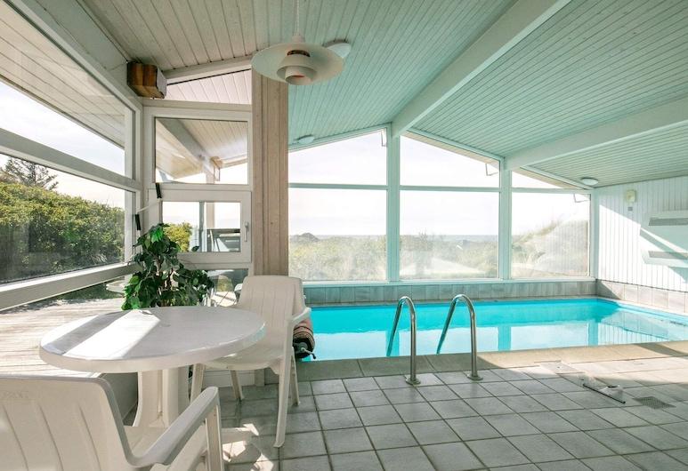 Charming Holiday Home in Løkken With Indoor Pool, Lokken, Alberca