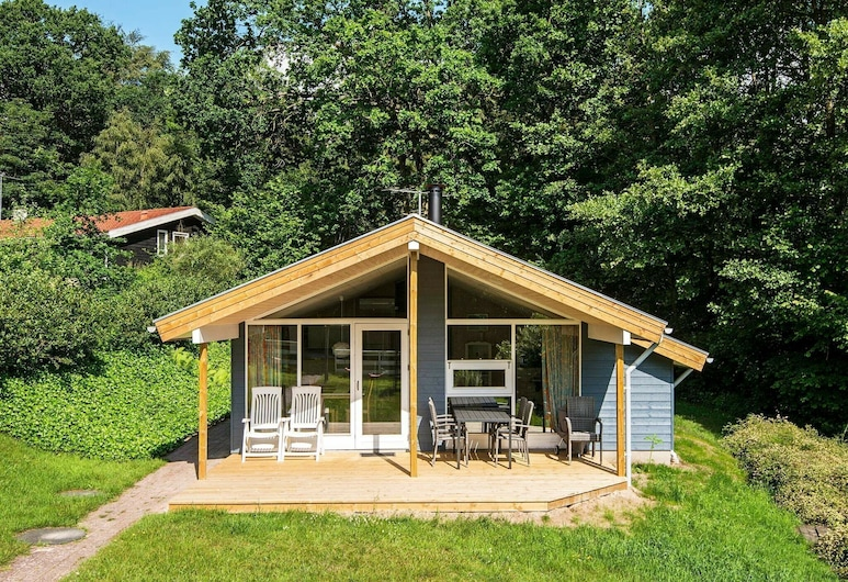 Quaint Holiday Home in Børkop With Swimming Pool, Боркоп
