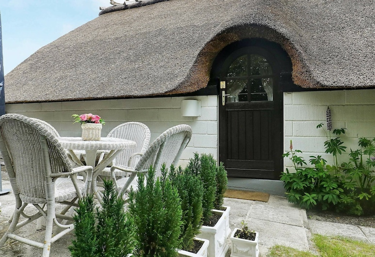Rustic Holiday Home in Jutland Denmark With Terrace, Hals, Zimmer