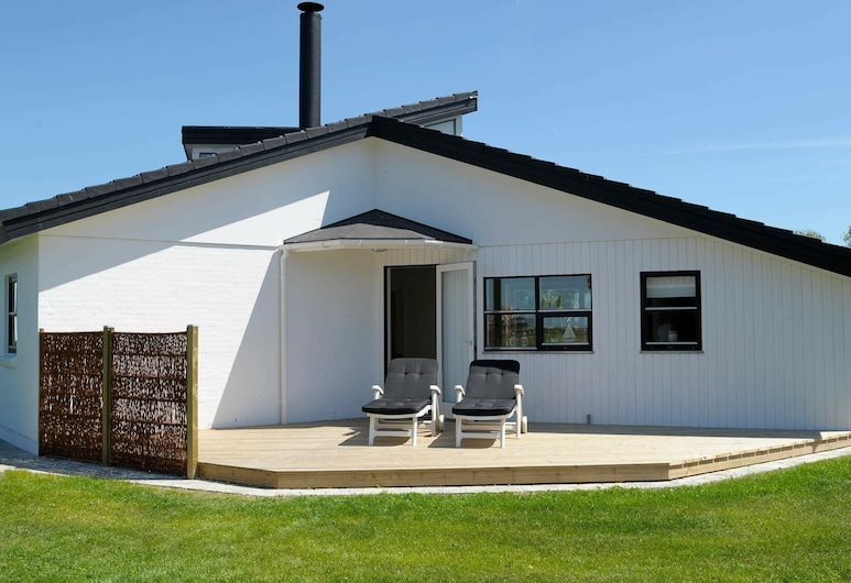 Lively Holiday Home in Hemmet With Sauna, Hemmet