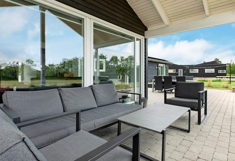 Modern Holiday Home in Vaeggerlose With Private Pool, Væggerlose, Balkon