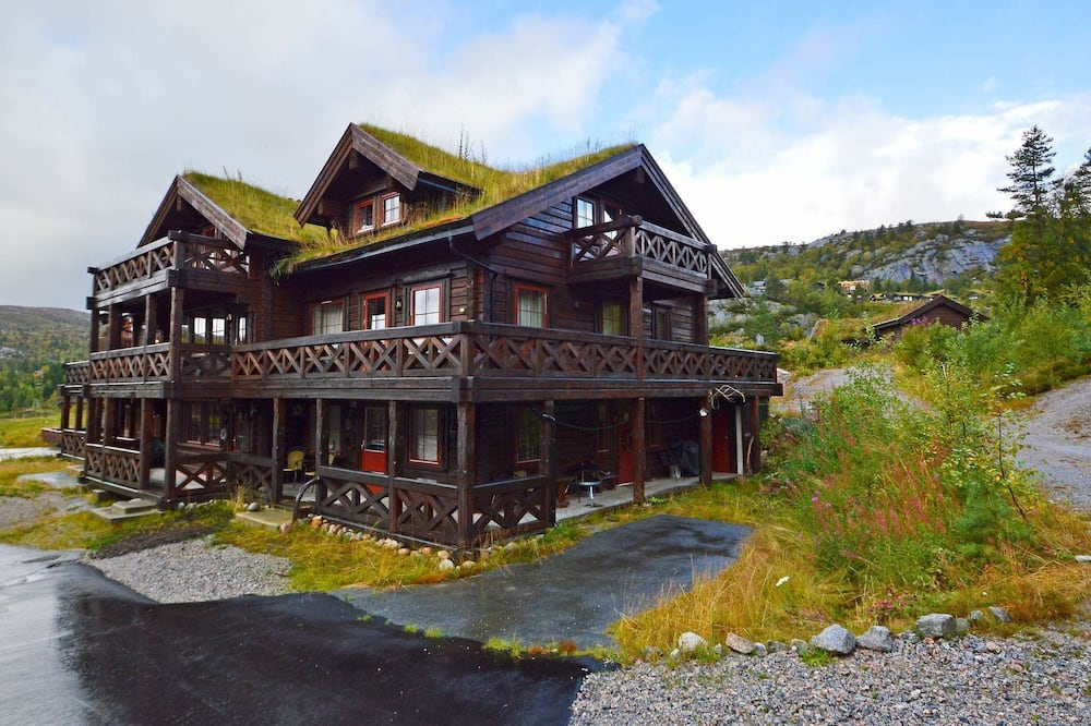 8 Person Holiday Home in Åseral