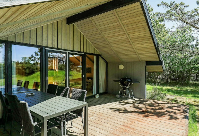 Delightful Holiday Home in Hals With Terrace, Hals, Exterior