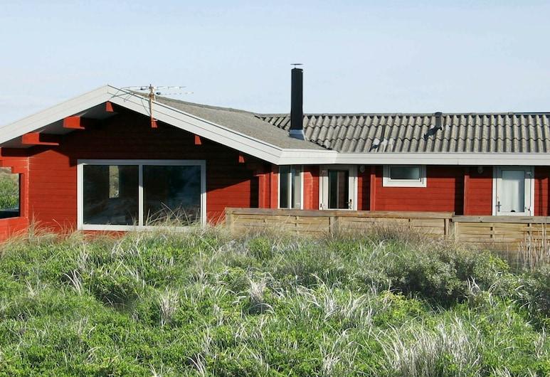 Serene Holiday Home in Løkken With Terrace, Lokken
