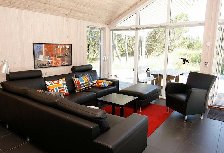 Luxury Holiday Home in Ålbæk With Sauna, Aalbaek, Wohnzimmer